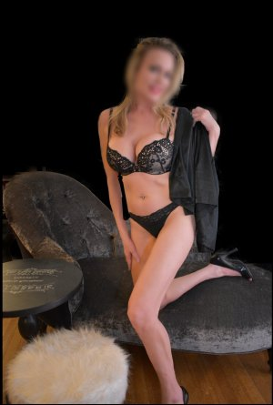 Anna-lisa incall escort in Monterey California