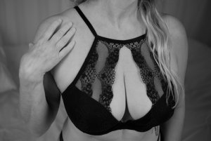 Julie-marie escorts in Bastrop
